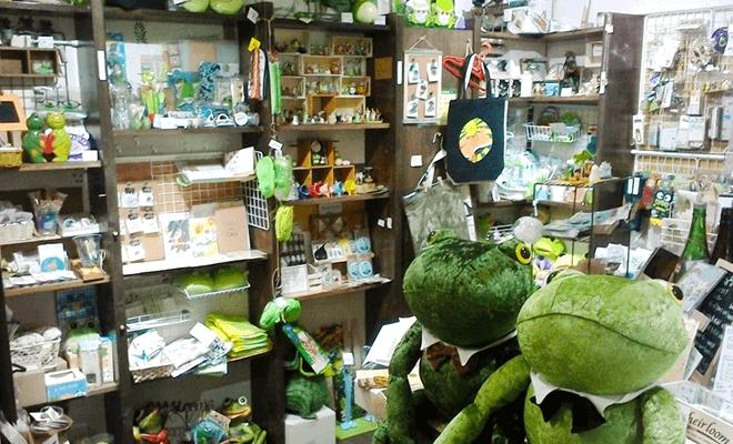 カエル雑貨コーナー
